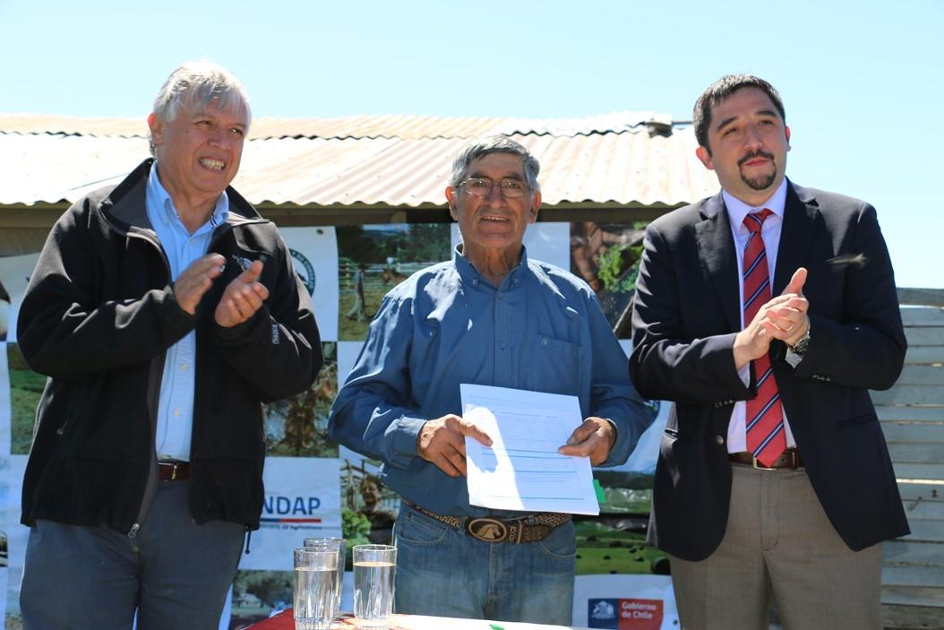 Ministro de Agricultura lanza en Aysén seguro ovino para al menos 1.800 ganaderos/as de la zona
